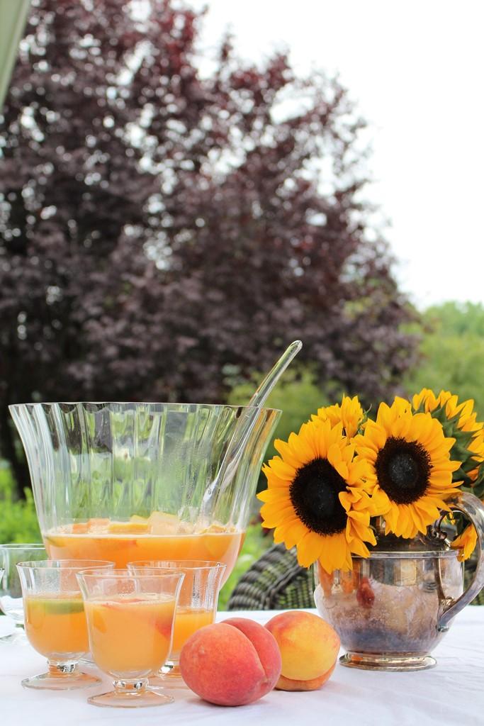 cocktails peach summer sangria ivydeleon.com