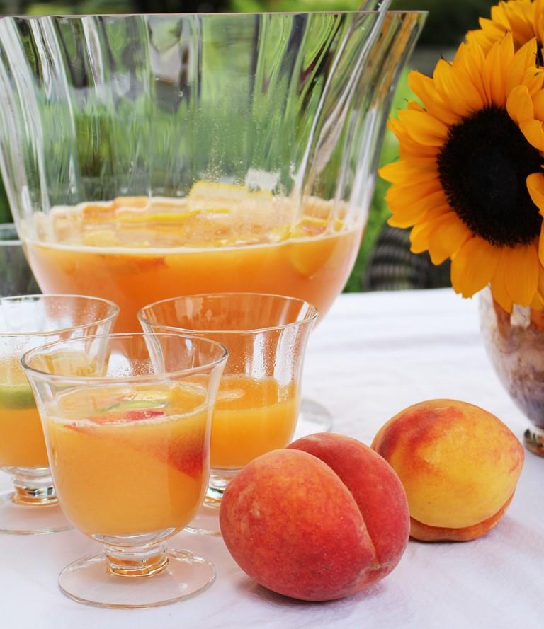 Peach summer sangria ivydeleon.com