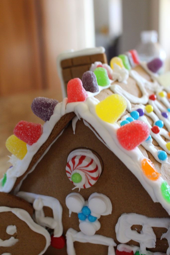 gingerbread house, ivydeleon.com